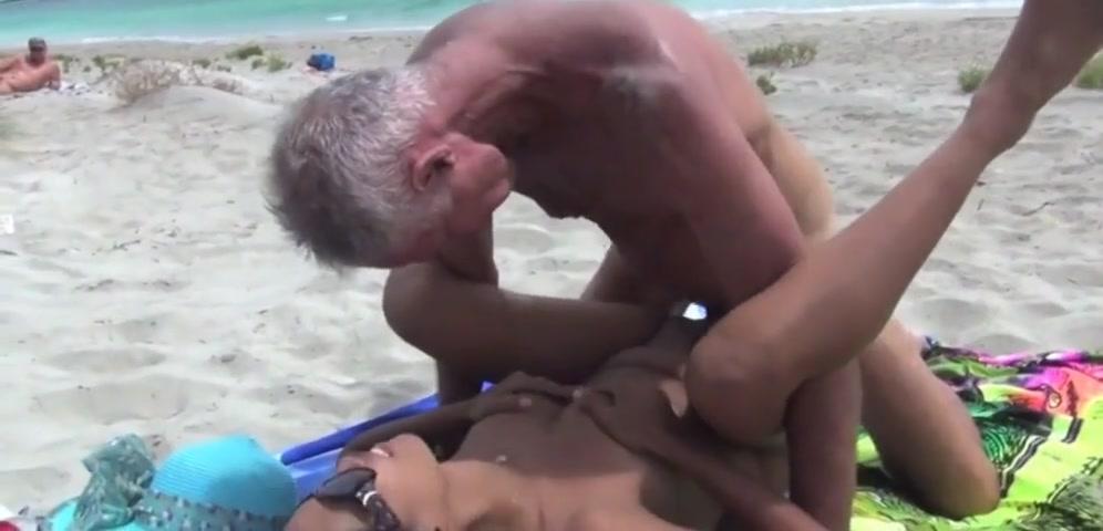 Sexy reifer Footjob !!!!!!! reife Strand Sex Bilder